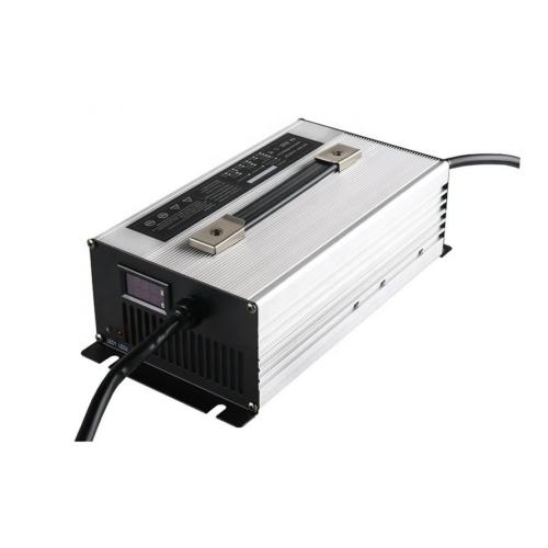 Akkumulátor töltő 15S 38A lítium-vasfoszfát LiFePO4 48V akkumulátorhoz